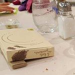 Cadeau fait à chaque enfant : 2 Friandises - Cartes à colorier - Crayons de couleur