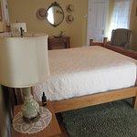 Photo de Plain & Fancy Bed & Breakfast