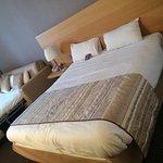 Très belle hôtel. Chambre spacieuse et calme. Superbe cadre et assez simple d'accès. Petit déjeu