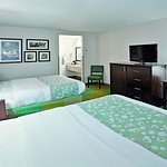 Photo of La Quinta Inn & Suites Mansfield