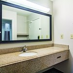 Photo de La Quinta Inn & Suites Brunswick