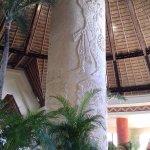 Increíble mampara de estilo maya en el Lobby Tulum.