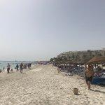 Le Bar plage d'hôtel El Borj jusqu'à 10h du matin est fermé c'est vraiment inexplicable