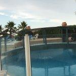 Dîner près de la piscine