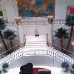 EL lobby desde el ascensor panorámico