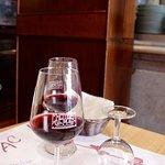 Foto de Cul de Sac Wine Bar