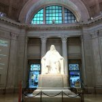 The iconic Ben statue greets you when you first enter.