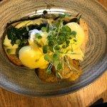 eggs benedict - avocado and spinach