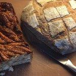 Babka de canela y pan de masa agria