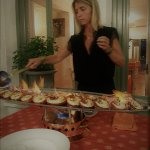 Vassilia flambant les langoustes...... (spécialité de la maison)