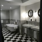 the amazing bathroom suite