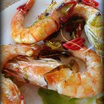 tasty chilli prawns needs cold beer!