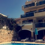 Photo de Petra Beach Hotel and Apartments
