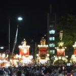 お祭り広場に集結