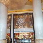 Giant foyer of Hilton Guangzhou