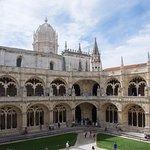 Photo de Mywaytours Guides Tours in Portugal