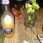 Bar cool , accueil et service super , bons drink  a ne pas rater.merci Eric et Rosa :-)