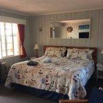 Oceanside view room, king size bed LOVELY ROOM!