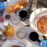 terrasse et petit-déjeuner