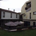Terraza junto al comedor y habitaciones