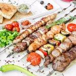 Шашлыки из баранины, свинины, курицы, овощей. Люля-кебаб из баранины и из свинины.