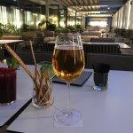 Menú degustación y previa de una cerveza en la terraza disfrutando de las vistas.