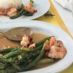 Asparagus and prawns side
