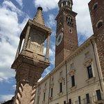 Photo de Torre dei Lamberti