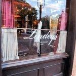 Lindey's