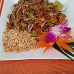Pad Thai noodle dish with peanut sauce, peanut pieces and checken