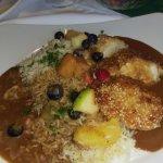 Reis mit Putenfleisch und leckeren Obststückchen, sehr gut gewürzt