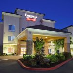 Fairfield Inn and Suites welcomes you, day or night!