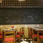 Zona de comedor, el bar se encuentra en otro salón
