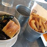 Delish Mussels and Tavern Chips