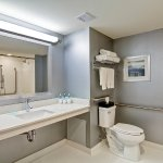 Billede af Holiday Inn Express & Suites Oshawa Downtown - Toronto Area