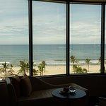 Holiday Beach Danang Hotel & Resort Foto