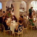 La sala ristorante di sera