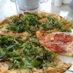 """la """"mademoiselle"""" avec une part de """"pizzaiolo""""!!!"""