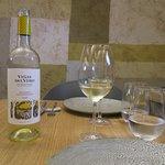 Para comenzar un vino blanco del Somontano bien fresquito.