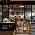 Otwarta autorska kuchnia: na śniadanie, lunch, kolację, wino, kawę i deser - nasze własne wypiek