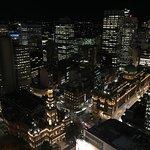 Photo de Meriton Suites Pitt Street, Sydney