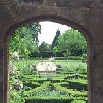Credit- PR- Beautiful English Garden- Kenilworth Castle-