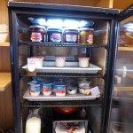 Assortiment du Petit-Déjeuner (petitearmoire froide pour les yogourths)