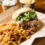 Bbq pork with skinny fries