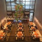 Hilton Honors breakfast dining area