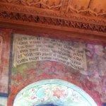 fresque et inscription
