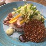 Een echte aanrader:rundertartaar met sojasaus en wasabi mayonaise