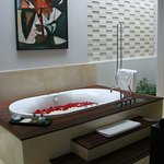 Another angle of our jacuzzi tub