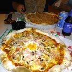 La buena pinta que tienen las pizzas de esta pizzería, mmm...!!