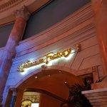 Local de The Cheesecake Factory en el hotel Cesar Palace, un hermoso lugar para compartir en fam